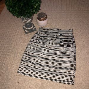 H&M black and white pencil skirt
